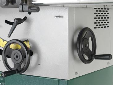 Podnoszenie i opuszczanie w pilarce tarczowej TS250C
